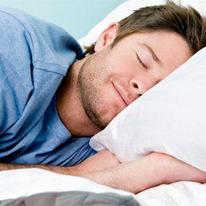 Верный способ уйти от атаки негативных эмоций и мыслей — поспать